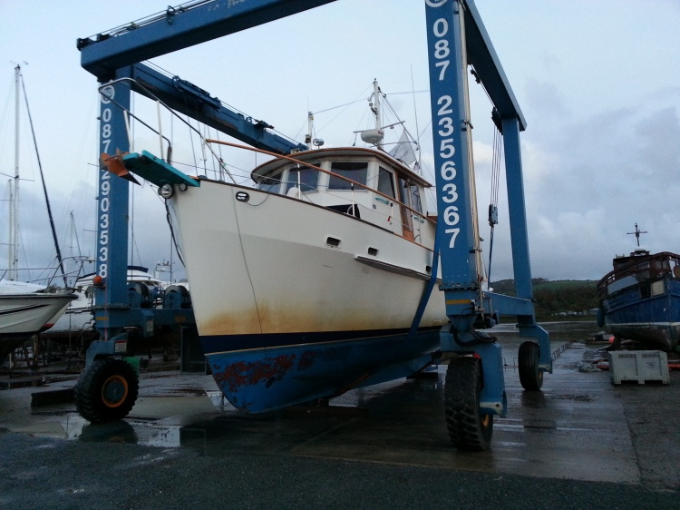 Dauntless being hauled in New Ross