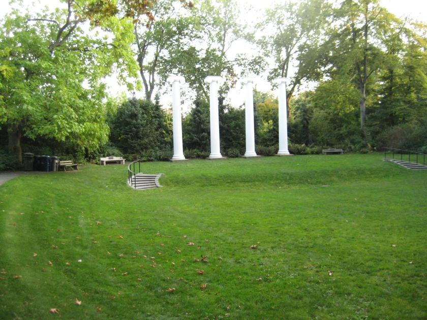 The University of Washington, The Columns